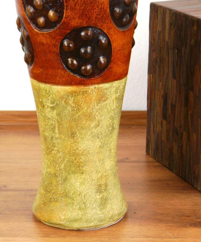 vase aus ton. Black Bedroom Furniture Sets. Home Design Ideas