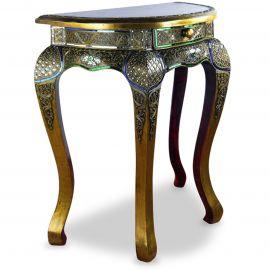 Hoher Opiumtisch mit Mosaikverzierungen  halbrund