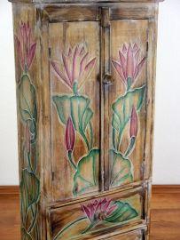 Naturfarbener, 2 türiger Schrank mit 2 Schubladen aus Bali, Nr.205